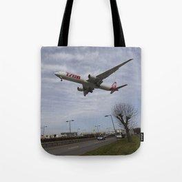 Tam Boeing 777 Heathrow Airport Tote Bag