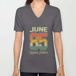 Vintage 35th Birthday June 1985 Sports Gift Unisex V-Neck