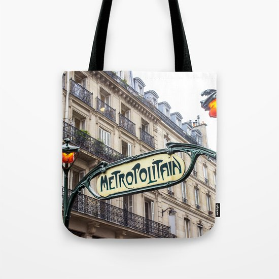 Metropolitain in Paris by worldphotosbypaola