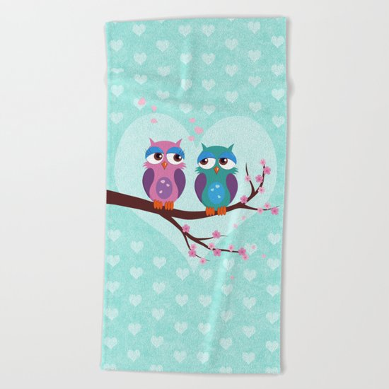 Love owls Beach Towel