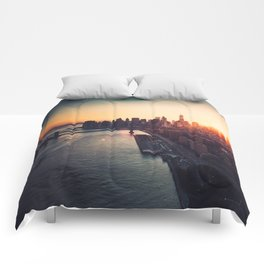 new york city skyline Comforters