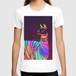 Llamita querida by #Bizzartino T-shirt