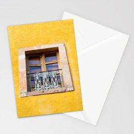Ventana con marco de piedra Stationery Cards