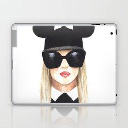 Fashion illustration-Girl with glasses Laptop & iPad Skin