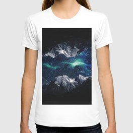 Lost in a world of dreams and mountains T-shirt