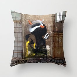 Espectro Throw Pillow