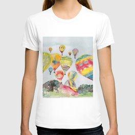Hot air balloons flying T-shirt