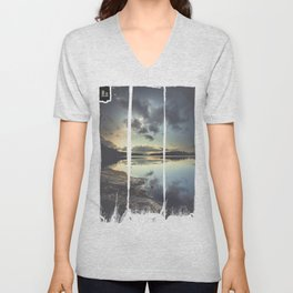 I see the love in you Unisex V-Neck