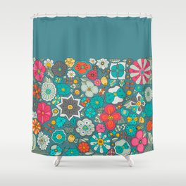 Chicles y caramelos Shower Curtain