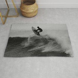 Surf black white Rug