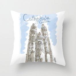 Cathédrale de Tours Throw Pillow