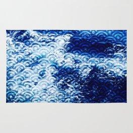 Waves of change Rug