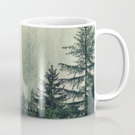 Foggy Pine Trees Kaffeebecher