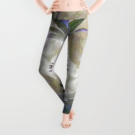 Lilies in the Round Leggings