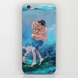 The best underwater kiss iPhone Skin