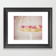 I Heart Cupcakes! Framed Art Print