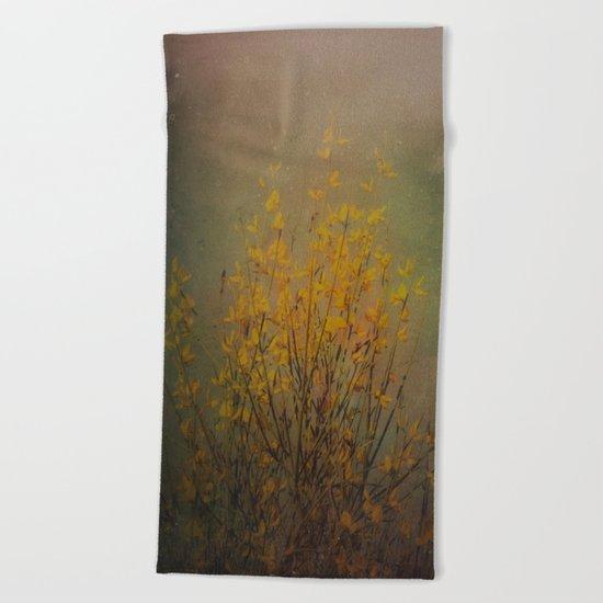 Vintage flowering bloom Beach Towel