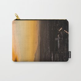 Caos y Orden Carry-All Pouch