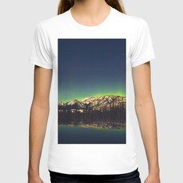 Northern Light Green Aurora Over Dark Arctic Mountains Landscape T-shirt