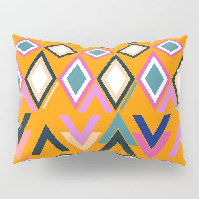 Lively shapes Pillow Sham