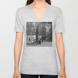 New York Basketball III Unisex V-Neck