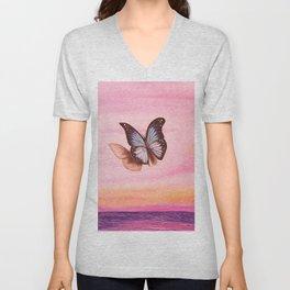 L'amour vogue avec le papillon Unisex V-Neck