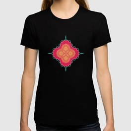 Pretty Chain Lozenge Pattern in Pinks on Teal T-shirt