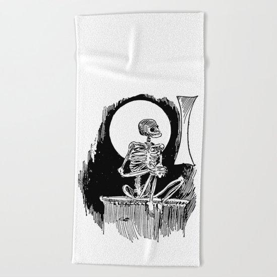 Skeleton waiting Beach Towel