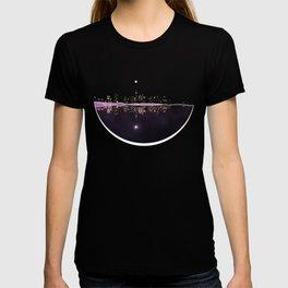Moonlight In The City Skyline Design T-shirt