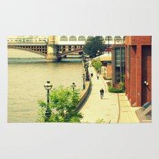 Along the River Thames. Rug