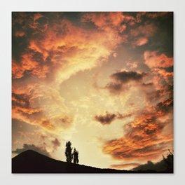 Coucher de soleil sur les Pyrénées Canvas Print