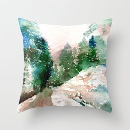 Entre arboles y nieve Throw Pillow