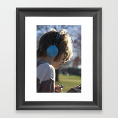 Verliebt mit Musik Framed Art Print