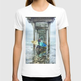 Surfers, La Jolla Shores Pier, San Diego, California. T-shirt
