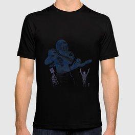 Quarterback throwing a touchdown pass. T-shirt