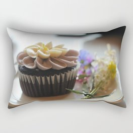 Cupcake avec les fleurs  Rectangular Pillow