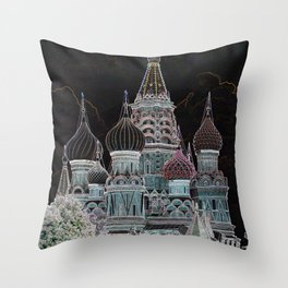 St. Basil's Cathedral v Throw Pillow