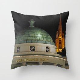 Hylliger Born Bad Pyrmont Throw Pillow