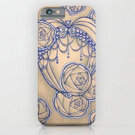 Fancy roses and perls iPhone Case