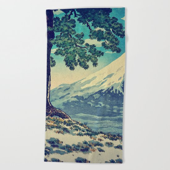 After the Snows in Sekihara Beach Towel