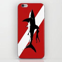 great white shark dive iPhone Skin