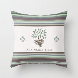 EUSKAL HERRIA aritza Throw Pillow
