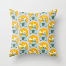 Frenchie's summer road trip Throw Pillow