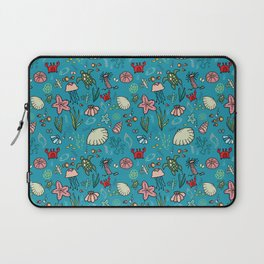 Beach and underwater pattern - fish and turtles and sea shells, oh my! Laptop Sleeve