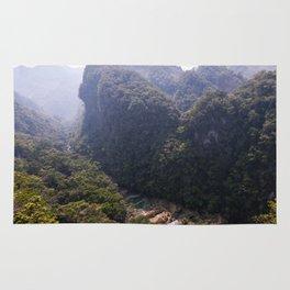 Semuc Chapei, Guatemala.  Rug