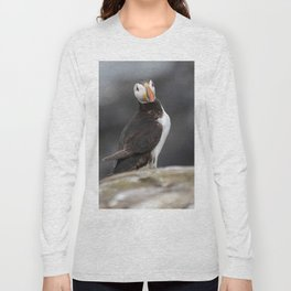 Puffin close up on cliff Long Sleeve T-shirt