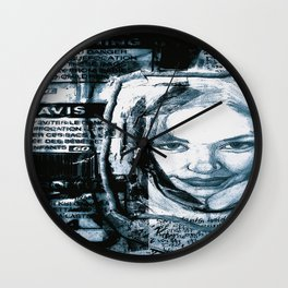 avis Wall Clock