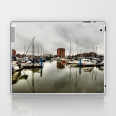 Hull Marina in the Rain Laptop & iPad Skin