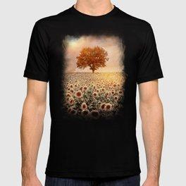 lone tree & sunflowers field (colour option) T-shirt