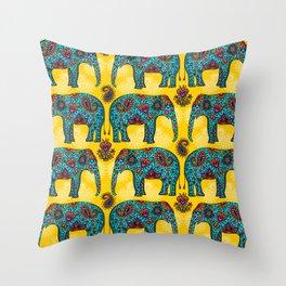 elefantes Throw Pillow